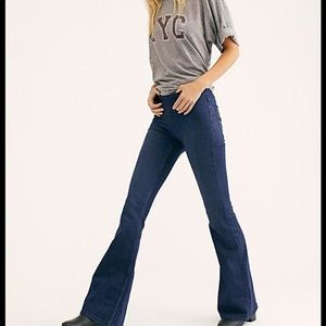 FREE PEOPLE Penny Pull-On Flare Jeans Size 26